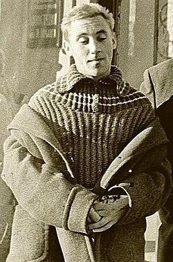 Юный Владимир Высоцкий одевался как настоящий московский хулиган.
